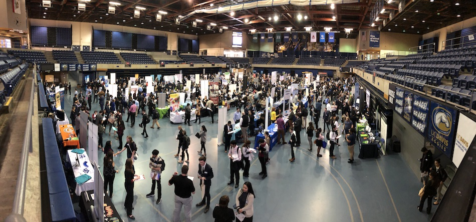 Overview of the career fair from above from Internship and Career Center archives, Winter Fair 2018.