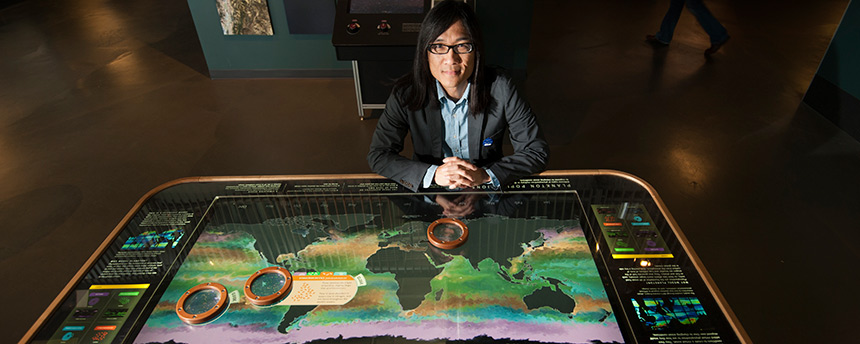 Kwan-Liu Ma, a UC Davis professor of computer science, with his World Plankton Populations table