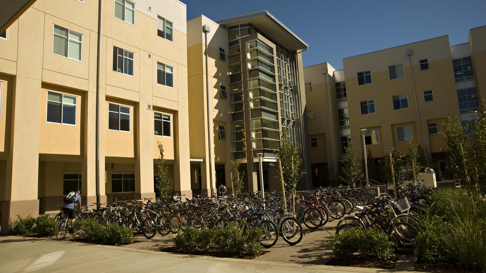 Affordable Student Housing | UC Davis Uc Davis Dorms