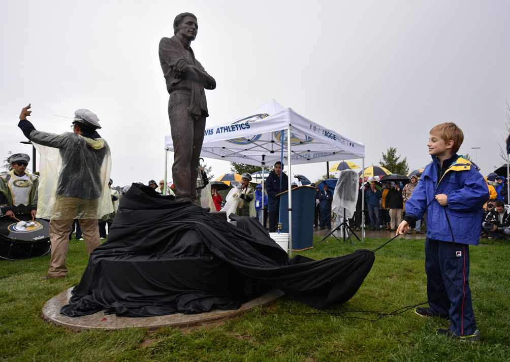 A statue honoring the late coach Jim Sochor is unveiled.